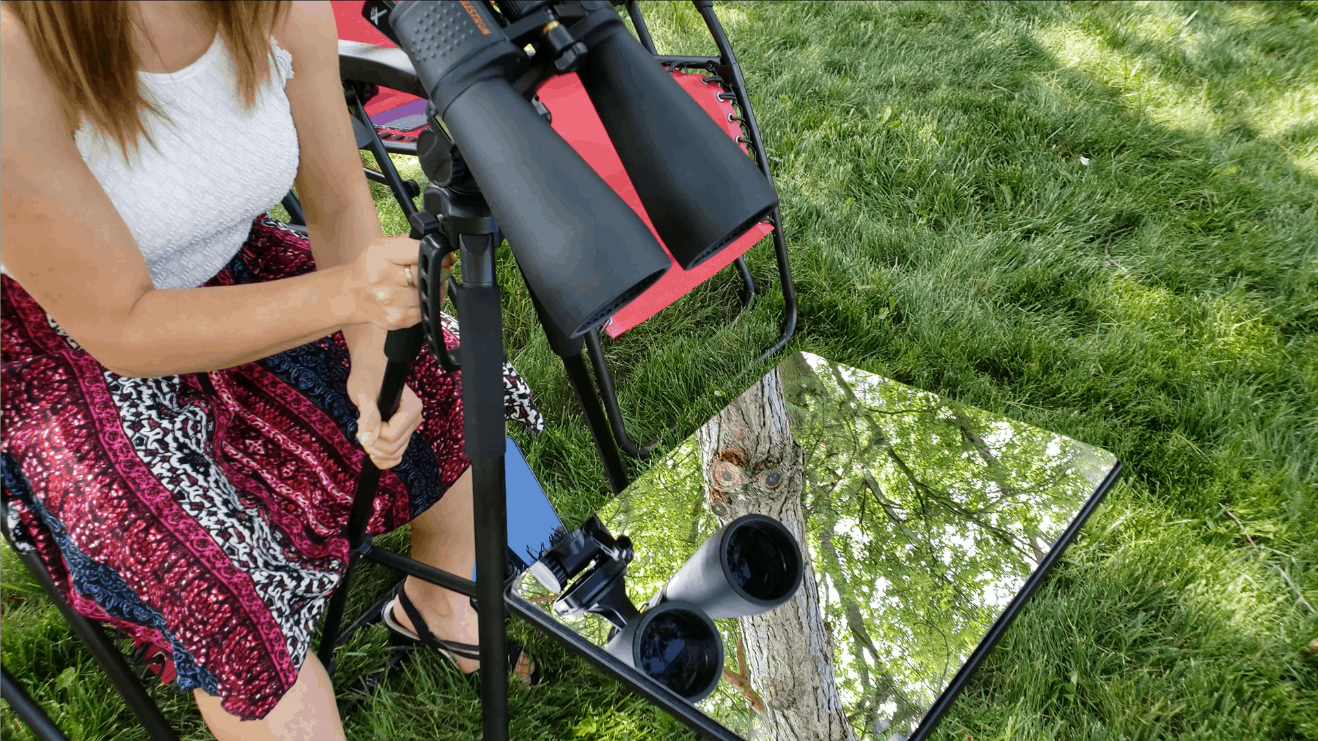 binocular-mirror-mount-sitting-down